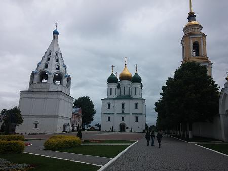 Нажмите на изображение для увеличения Название: Свято-Троицкий Ново-Голутвин монастырь.jpg Просмотров: 26 Размер:88.9 Кб ID:893