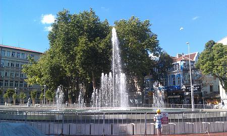Нажмите на изображение для увеличения Название: Фонтан на площади Независимости в Варне.jpg Просмотров: 48 Размер:99.1 Кб ID:521