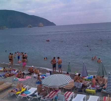 Нажмите на изображение для увеличения Название: Пляж в Гурзуфе.jpg Просмотров: 210 Размер:55.4 Кб ID:147